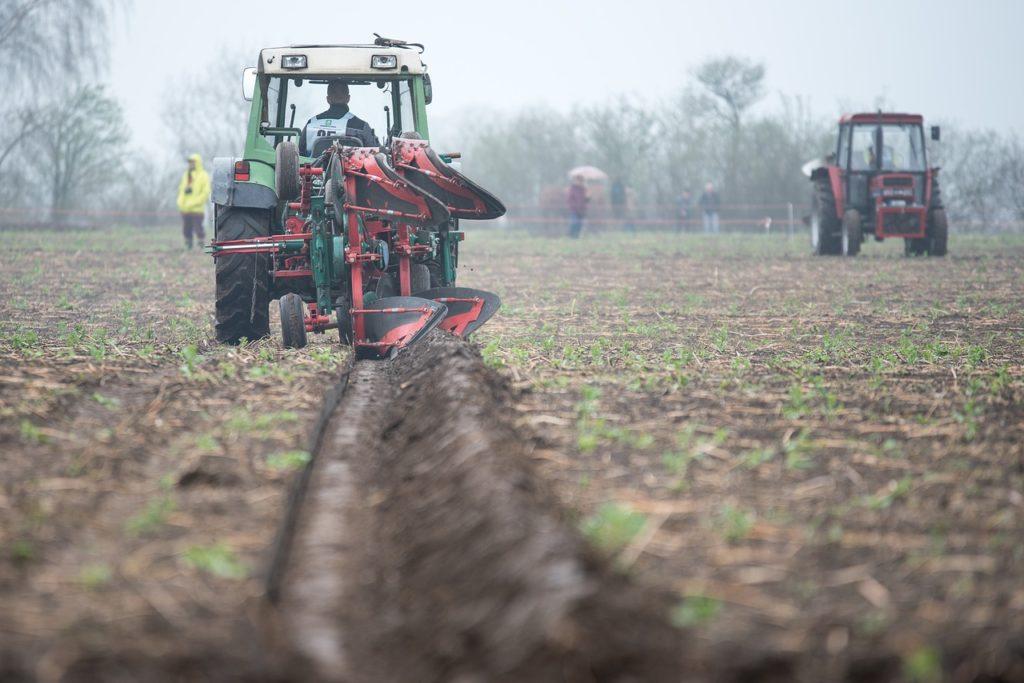 Pługi rolnicze - nowe czy używane?