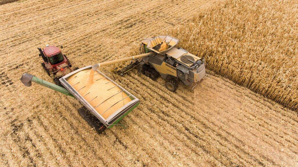 Skuteczna uprawa ziemi z dobrym sprzętem rolniczym
